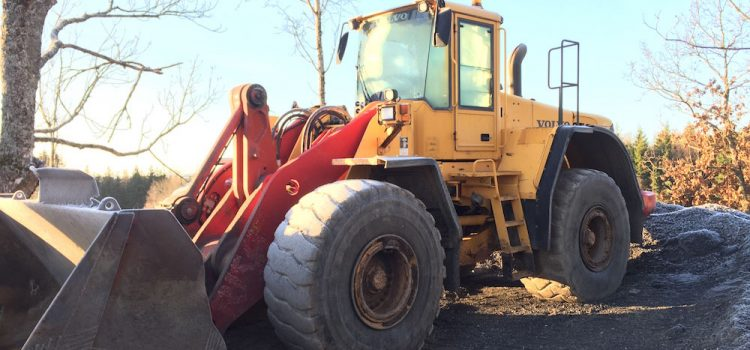 photo of wheel loader in the sun